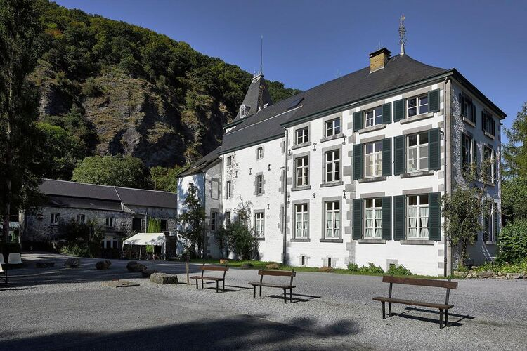 Kastelen Belgie | Luik | Kasteel te huur in Aywaille   met wifi 2 personen