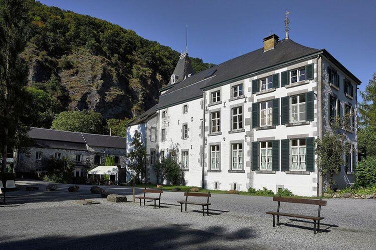 Kastelen Belgie | Luik | Kasteel te huur in Aywaille   met wifi 36 personen