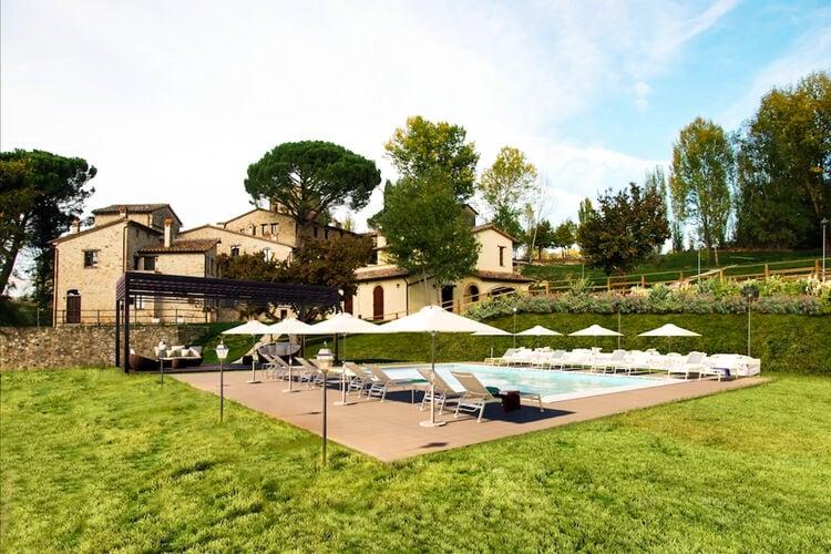 Woning Italie | Umbrie | Vakantiehuis te huur in Montone met zwembad  met wifi 9 personen