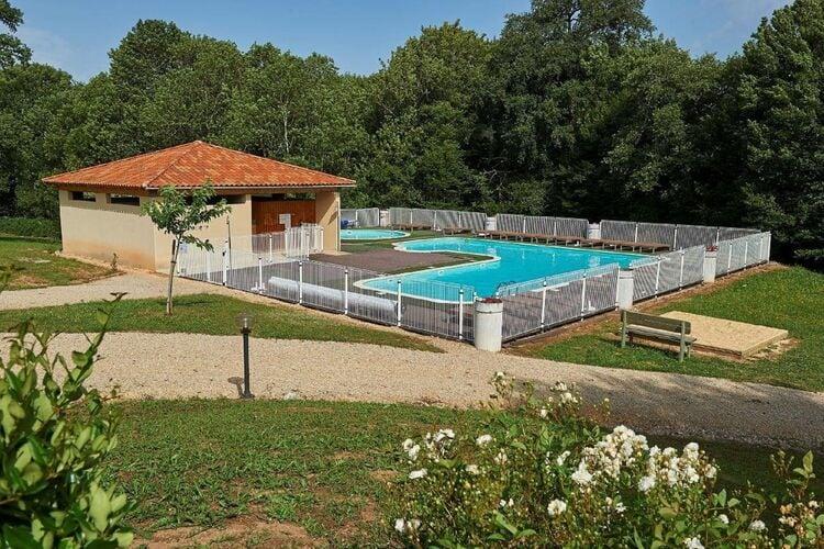 Vakantiehuizen Frankrijk | Midi-Pyrenees | Vakantiehuis te huur in Lacapelle-Marival met zwembad  met wifi 6 personen