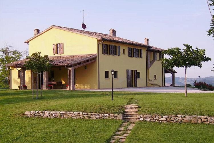 Vakantiehuizen Italie | Marche | Vakantiehuis te huur in Urbania   met wifi 7 personen
