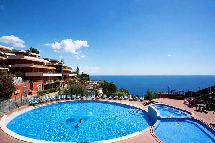 Vakantiehuizen Italie | Sicilia | Appartement te huur in Letojanni met zwembad  met wifi 4 personen
