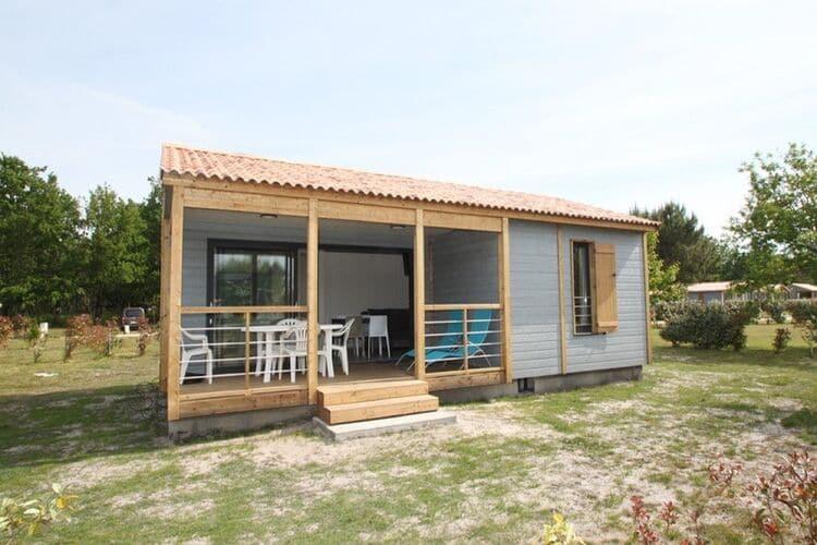 Vakantiehuizen Frankrijk | Cote-Atlantique | Chalet te huur in Hourtin met zwembad  met wifi 5 personen