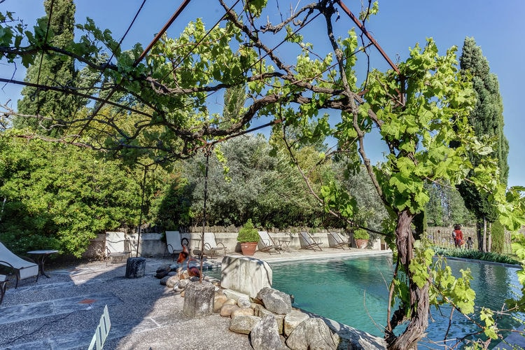 Vakantiehuis met zwembad met wifi  Oppedetilleul