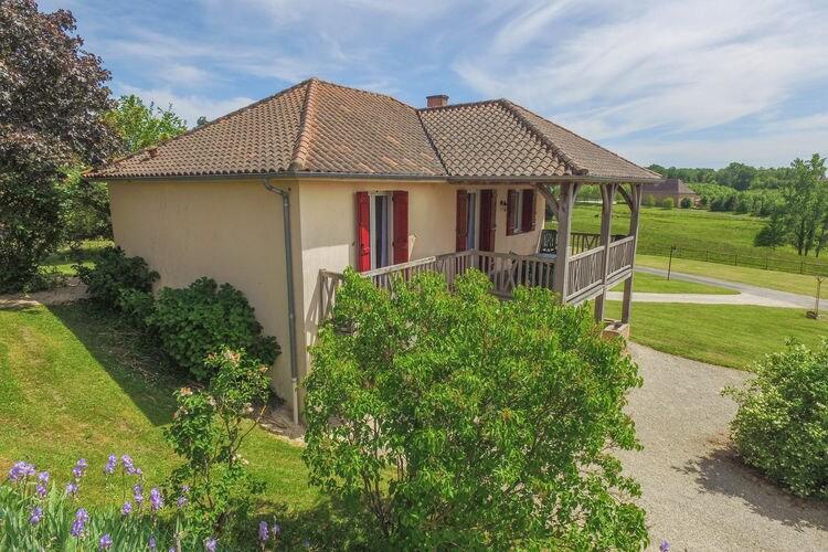 Vakantiehuis met zwembad met wifi  St-Medard-DexcideuilLe Pavillon