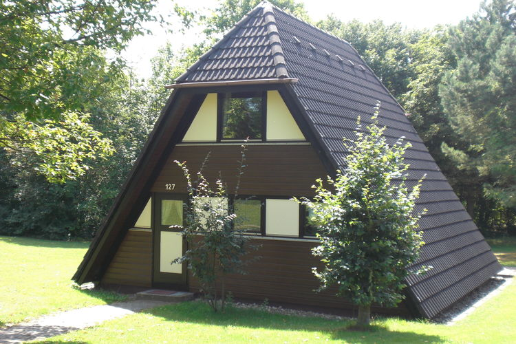 Vakantiewoning  met wifi  Waldbrunn  De verzorgd ingerichte bungalows zijn ge..