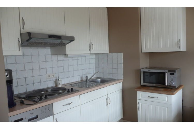 Ref: BE-4950-07 3 Bedrooms Price
