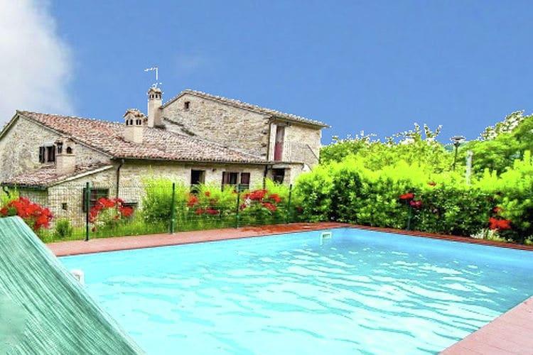 Italie | Marche | Vakantiehuis te huur in Mercatello-sul-Metauro met zwembad   13 personen