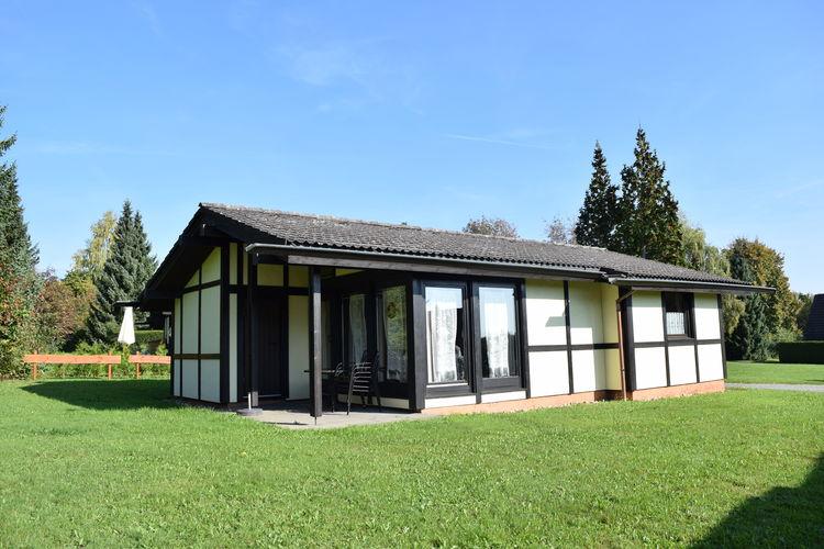 Gelijkvloerse, vrijstaande bungalows op natuurrijk park met faciliteiten zoals tennis en speeltuin