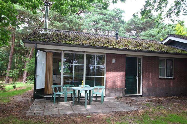 De verschillende type bungalows zijn vrijstaand of..