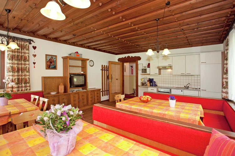Ref: AT-5753-03 6 Bedrooms Price