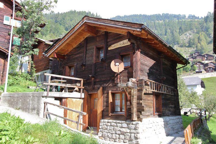 Vakantiehuizen Zwitserland | Jura | Chalet te huur in Betten    4 personen