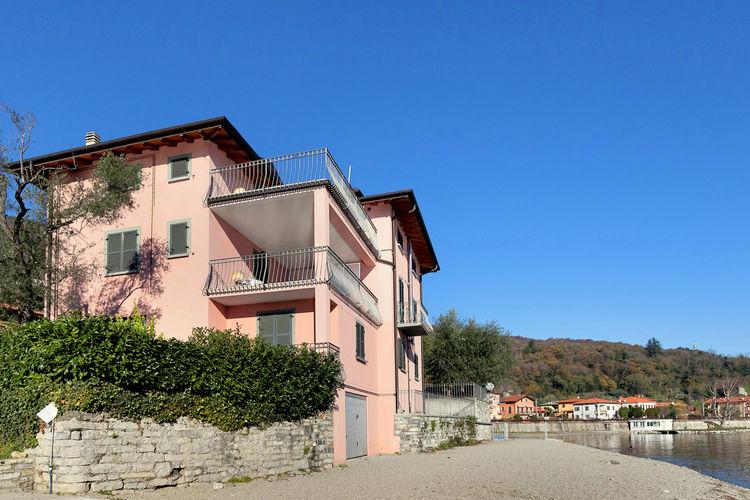 Italiaanse Meren Appartementen te huur Prachtige 4-pers. woning, direct aan het Comomeer