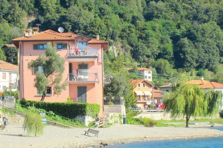 Prachtige 4-pers. woning, direct aan het Comomeer