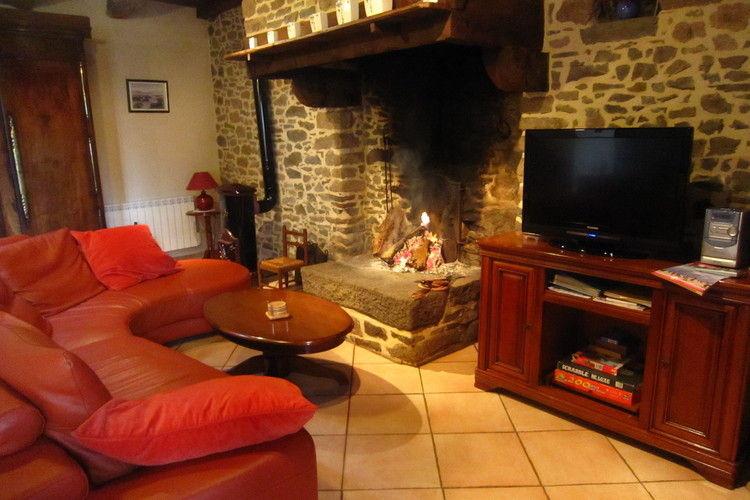 Ref: FR-35120-17 3 Bedrooms Price