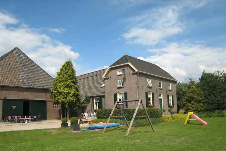 Nederland | Gelderland | Boerderij te huur in Braamt   met wifi 14 personen