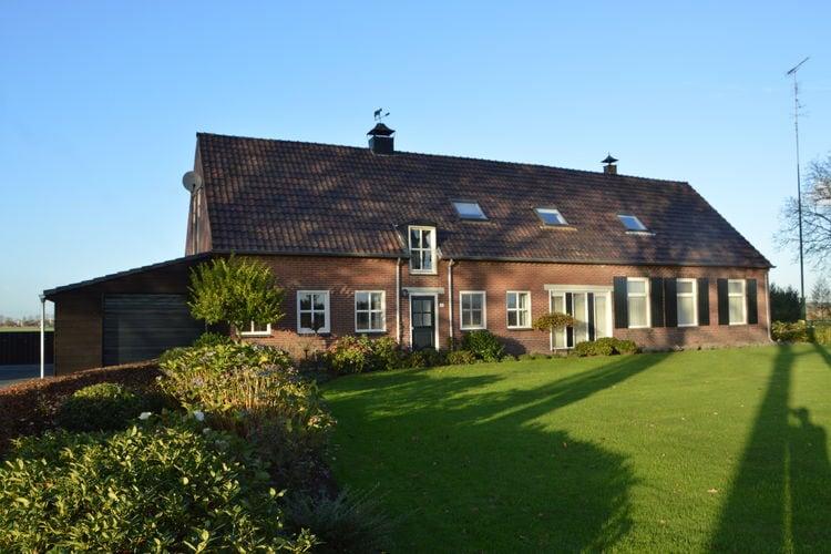 Noord-Brabant Boerderijen te huur Ruime, geschakelde boerderij met recreatieschuur in een typisch Brabants dorpje