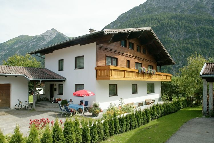Ferienhaus Selbstversorgerhaus Lumper (60148), Holzgau, Lechtal, Tirol, Österreich, Bild 1