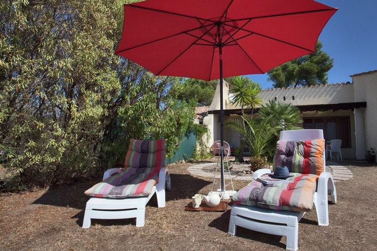 Vakantiehuis met heerlijk terras en tuin en dicht bij het strand.