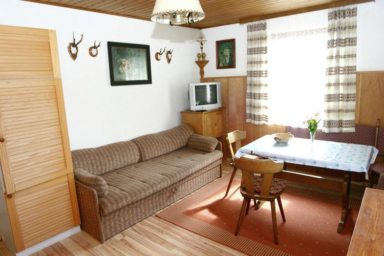 Ref: AT-5582-03 1 Bedrooms Price