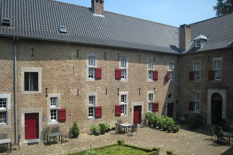 Appartement huren in Limburg -   met wifi  voor 3 personen  Deze 13 appartementen in de Mesche..