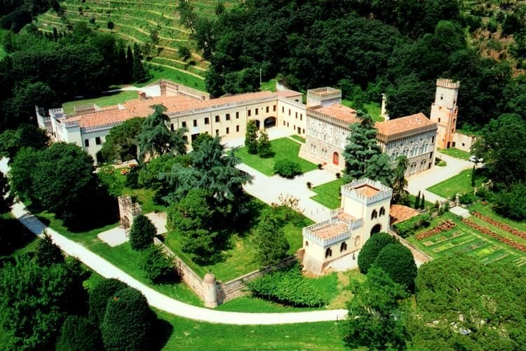 Mooi kasteelappartement op landgoed met wijnproductie nabij Padova en Venetië