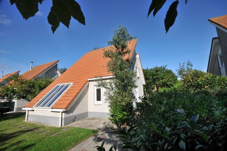 Ruime, luxe villa met sauna en twee badkamers, op park nabij het strand en het centrum van Renesse