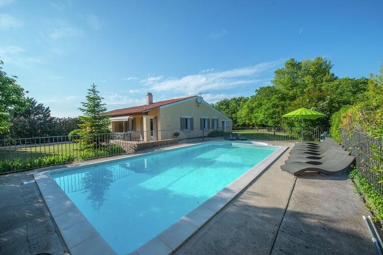 Vakantiehuis met zwembad met wifi  Malaucène  Abricotine