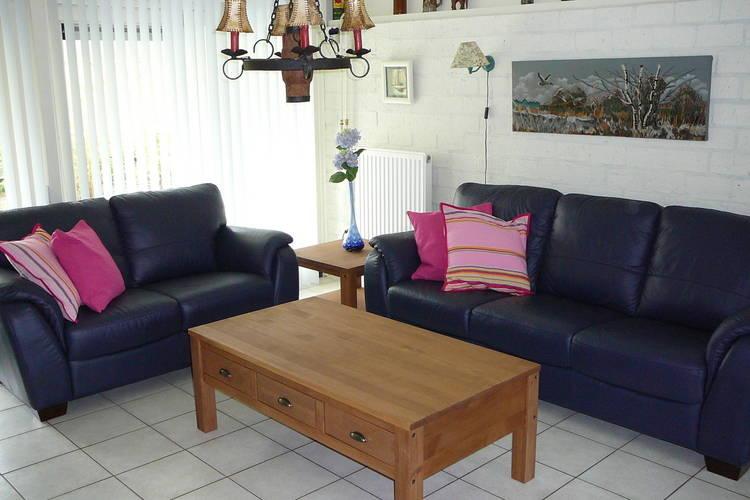 Ref: NL-9990-01 3 Bedrooms Price