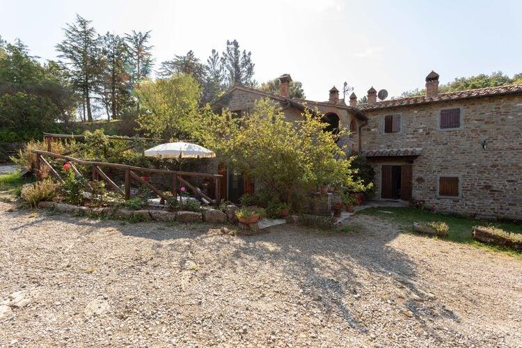 Vakantiehuizen Italie | Toscana | Boerderij te huur in Castiglion-Fiorentino met zwembad  met wifi 4 personen