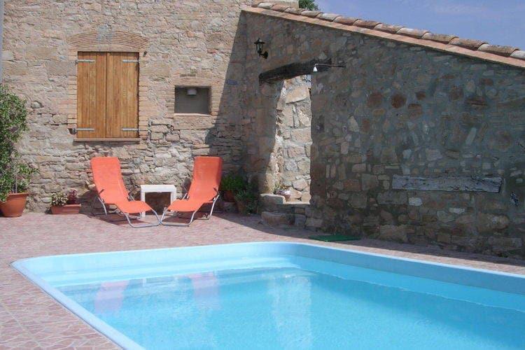 Spanje | Catalunia | Vakantiehuis te huur in St-Marti-de-Tous met zwembad aan zee met wifi 12 personen