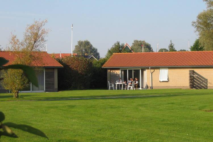 Vakantiehuis  met wifi  Heeg  Watersportpark De Pharshoeke 5