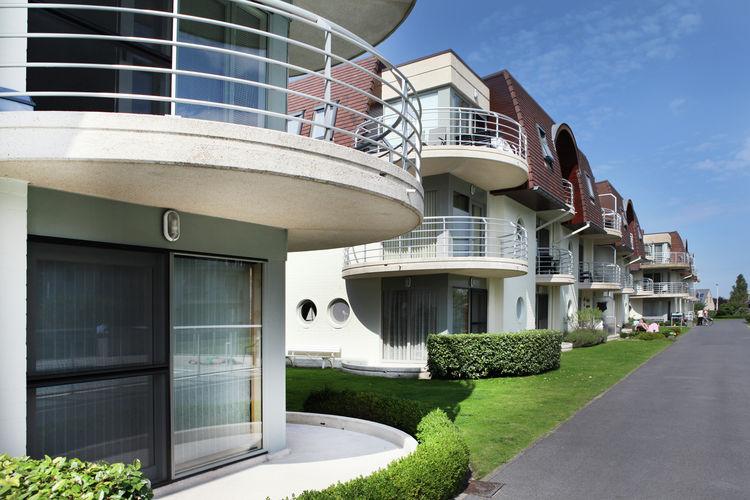 Mooie appartement op 1e etage met gedeeld zwembad slechts ca 500 m. van zee