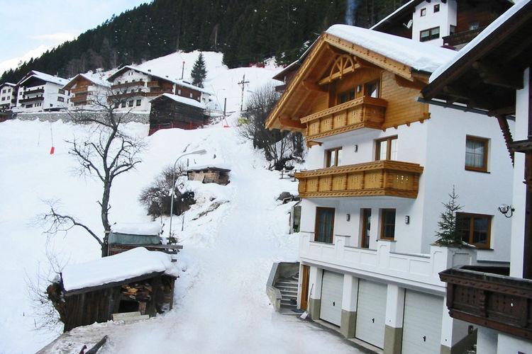 Arera - Exterior - Winter