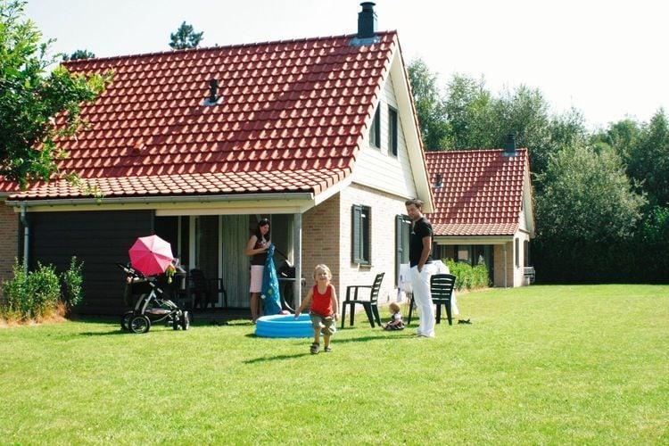 Hoogerheide Vakantiewoningen te huur Op ruime plaats gesitueerde, luxe villa met sauna, op park midden in de bossen van Hoogerheide