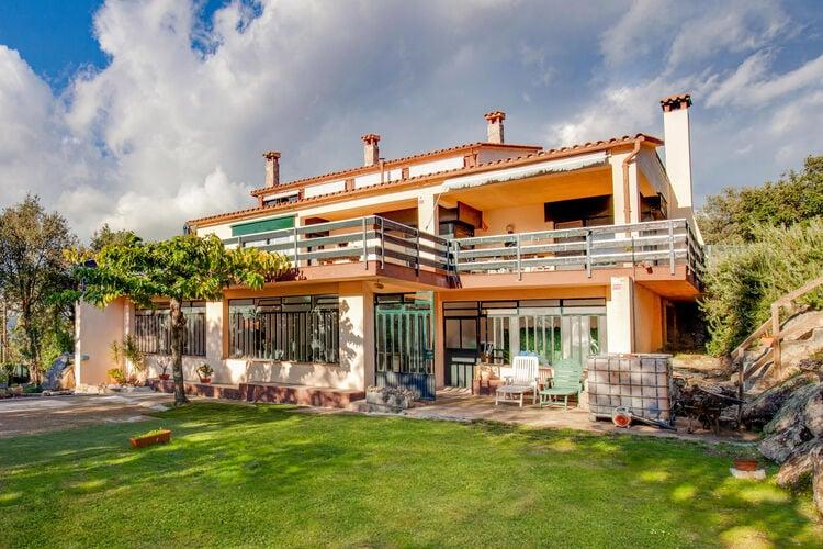 Spanje | Costa-Brava | Vakantiehuis te huur in Romanya-de-la-Selva met zwembad  met wifi 4 personen