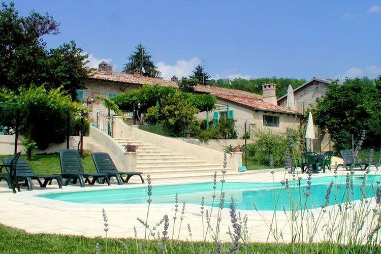 Vakantiehuis met zwembad met wifi  Camino  Glicine