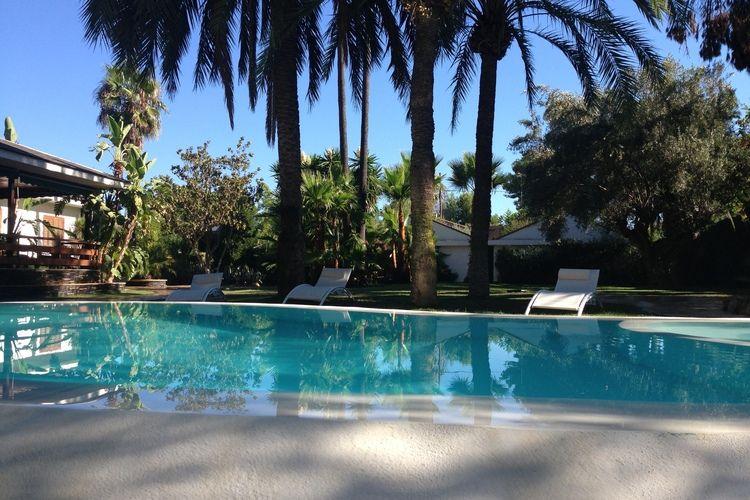 Spanje | Valencia | Vakantiehuis te huur in Eliana met zwembad aan zee met wifi 8 personen