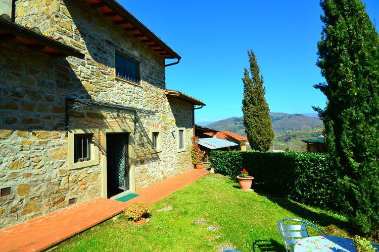 Dicomano Vakantiewoningen te huur Gezellige agriturismo met panoramisch zwembad midden in groen Toscane