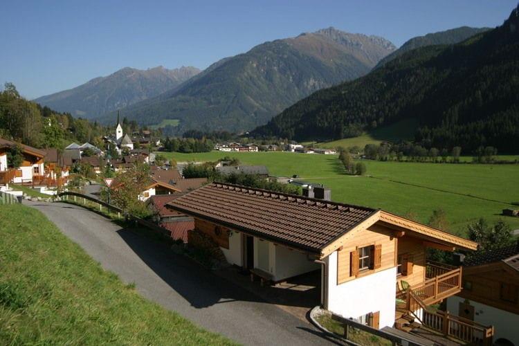 Tirol Vakantiewoningen te huur Luxe vrijstaand chalet met veel privacy en een echt Oostenrijks karakter