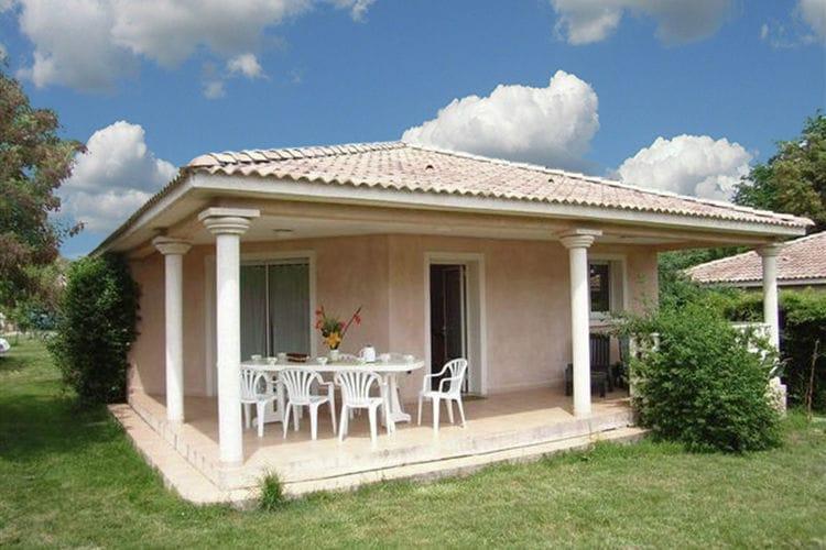Vakantiewoning met zwembad met wifi  Moriani-Plage  Vrijstaande villa op vakantiecomplex aan Costa Verde, op loopafstand van strand