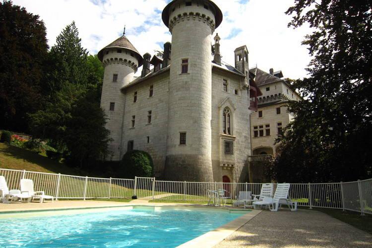 Kasteel huren in Rhone-alpes - met zwembad  met wifi met zwembad voor 4 personen  Dit appartement (90m2) in de voorm..