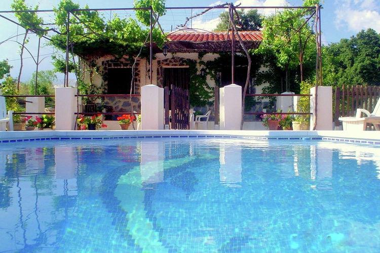 Vakantiehuis met zwembad met wifi  LojaOlla de Graos
