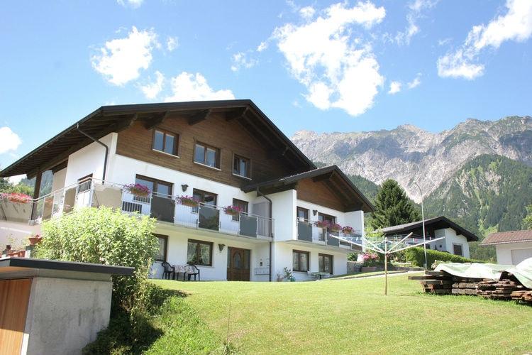 Appartement huren in Vorarlberg -     voor 3 personen  Vandans ligt 5 km. ten noordwesten..