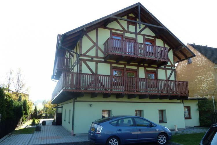 Appartement  met wifi  Hroznetin  Mooi vakantiehuis (2 woningen) in het Ertsgebergte voor zomer & wintervakantie