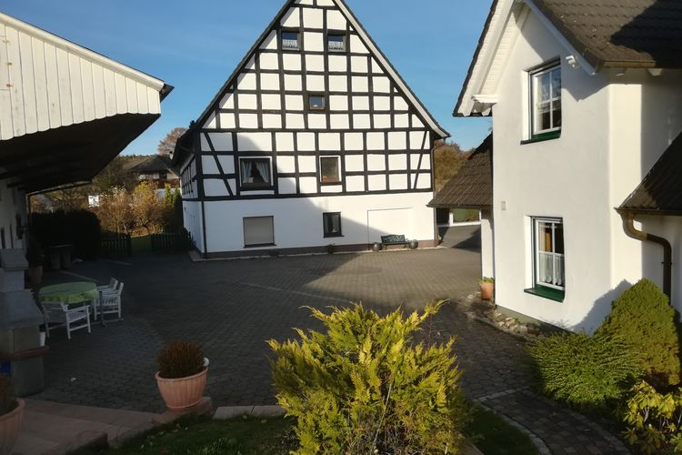 Appartement met zwembad met wifi  Attendorn-Silbecke  Ferienwohnung Silbecke