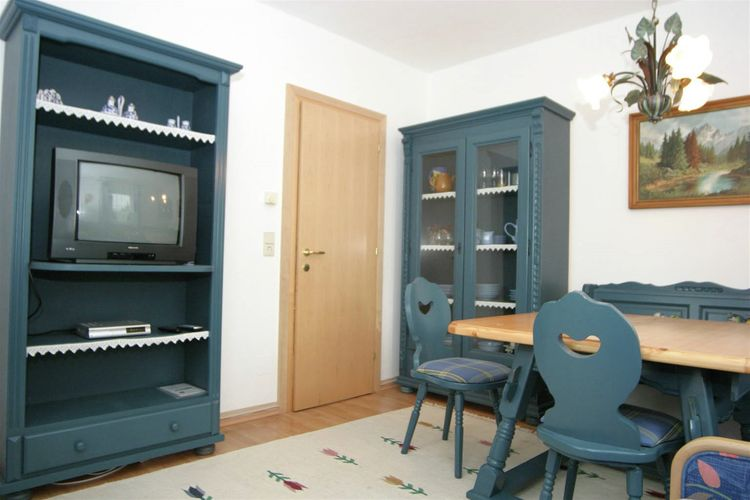 Ref: AT-9615-11 6 Bedrooms Price