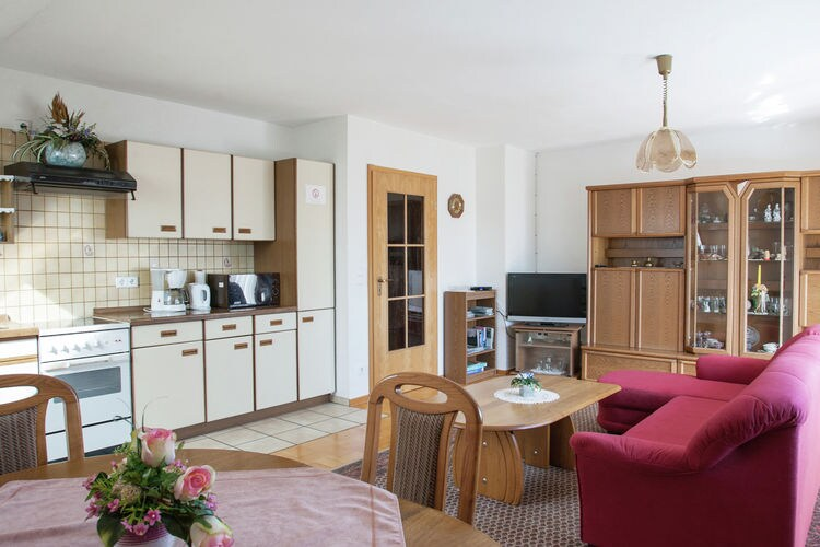 Appartement Duitsland, Hessen, Alheim-Obergude Appartement DE-36211-05