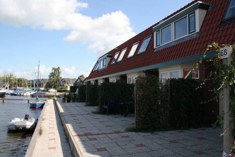 Vakantiehuis  met wifi  Heeg  Watersportpark De Pharshoeke 2