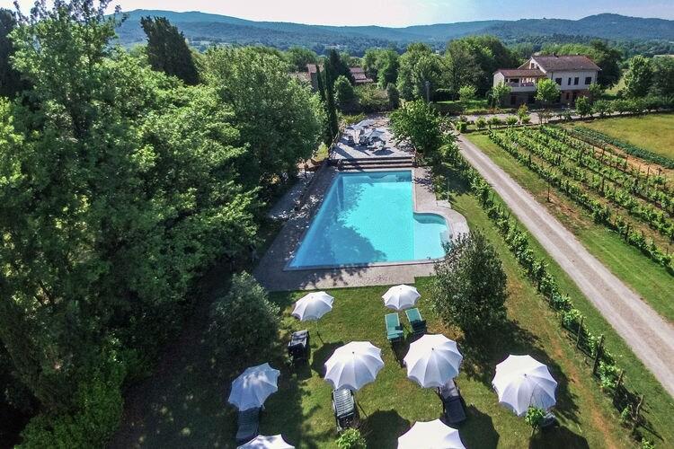 Vakantiehuis met zwembad met wifi  Bucine  Sogna